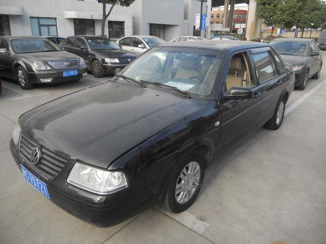 上海大众桑塔纳3000 svw7182cqi